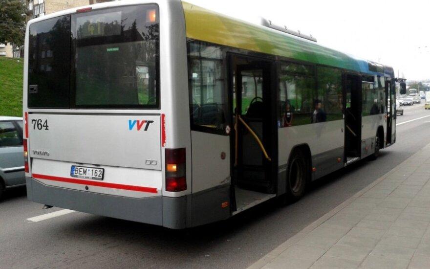 Vilniečio patirtis viešajame transporte: aršūs kontrolieriai, pavargę vairuotojai ir būsimo filmo scenarijus