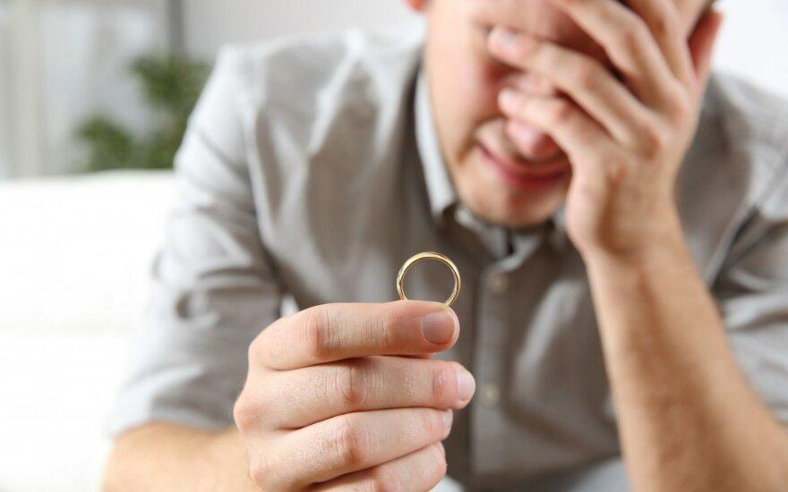 """""""Popieriuje"""" praradau žmoną, bet realybėje netekau kur kas daugiau"""