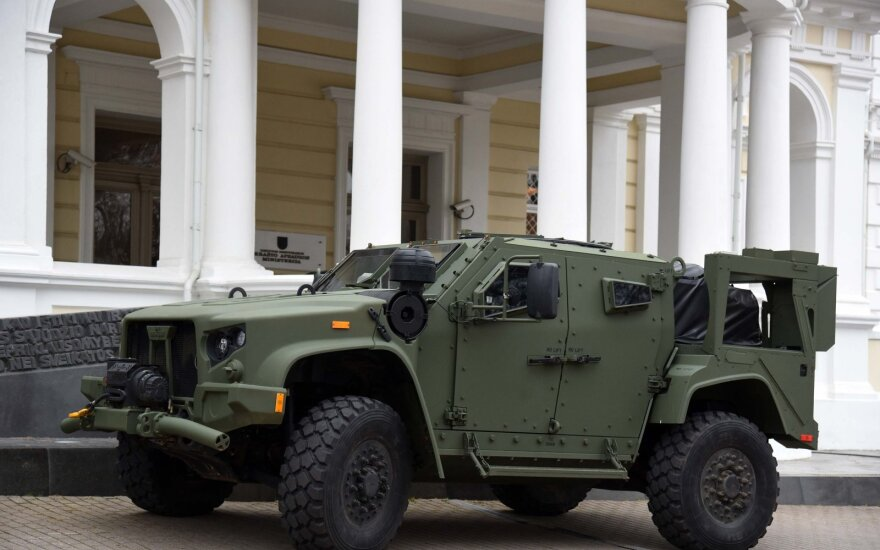 Deal to buy 200 Joint Light Tactical Vehicles from US signed