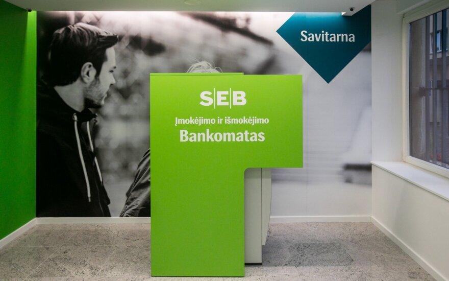 SEB ištaisė pinigų nuskaičiavimo klaidą: su ja susidūrusiems klientams žada lengvatų
