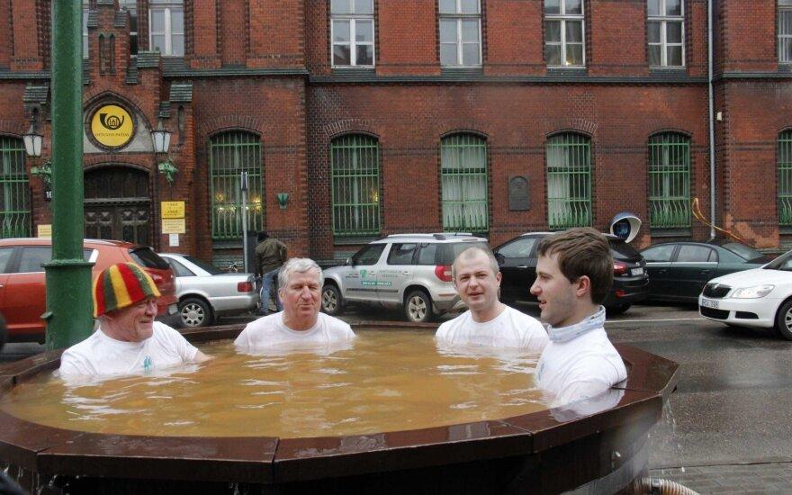 Viešos maudynės geoterminiame vandenyje