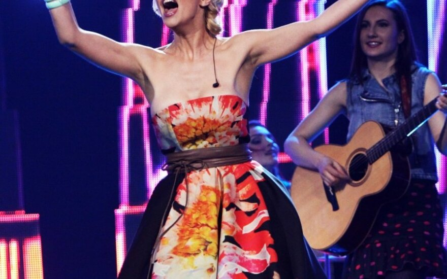 """Gailintiems """"Eurovizijos"""" atrankoje pasirodžiusios Mios: žmonės, pabuskit!"""