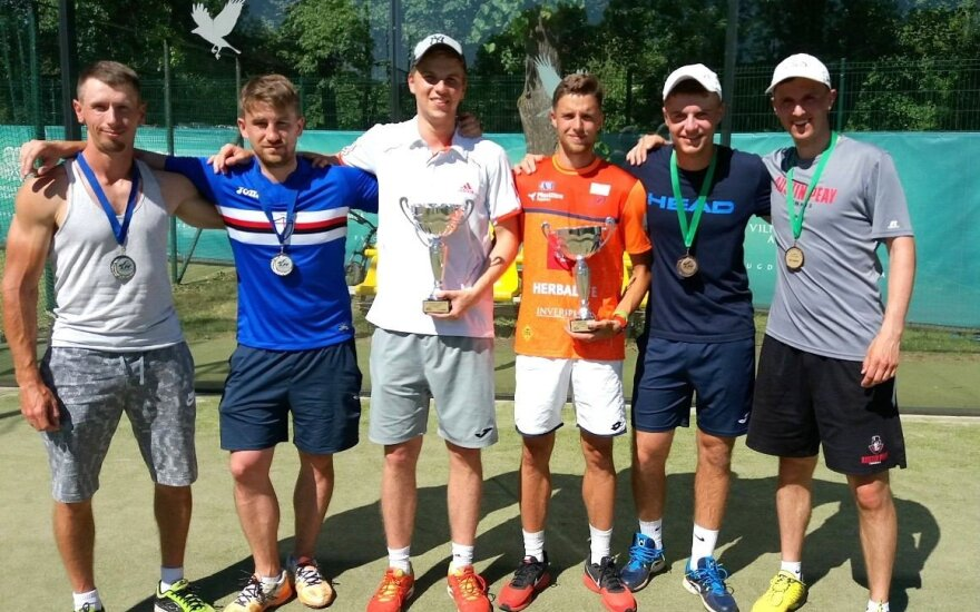 Tarp padelio teniso turnyro prizininkų – ir Tverijonas