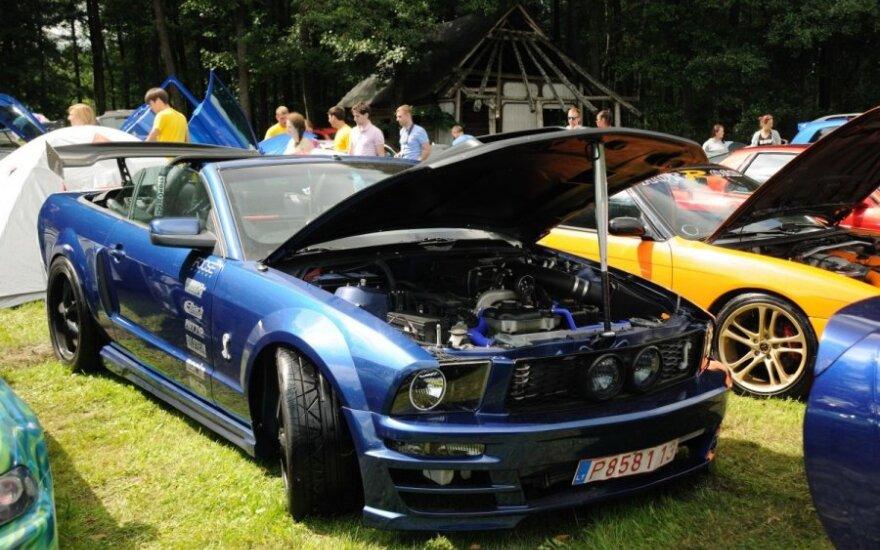 """Netradicinių automobilių stovykla """"Vasaros ratas 2013"""""""