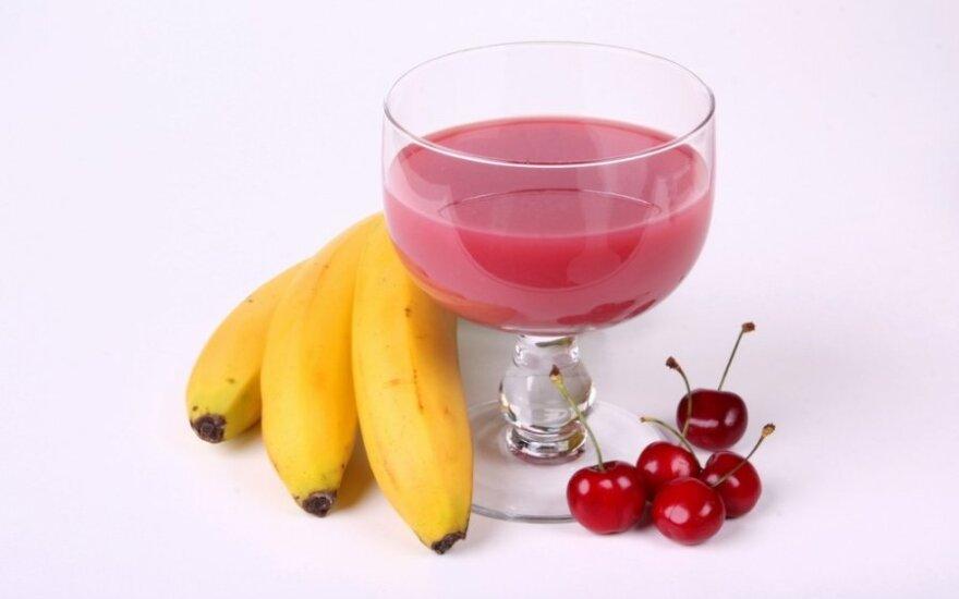 Bananų kokteilis su vyšniomis ir kakava