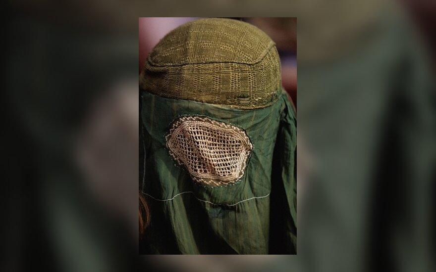Vokiečių filosofė: draudimas nešioti burkas – dvigubi vakarietiški standartai