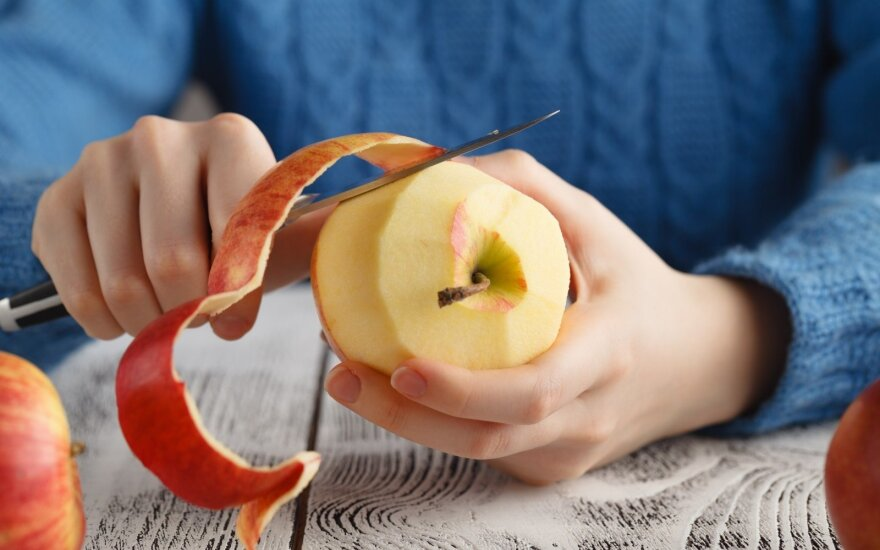 Lupti ar nelupti vaisius ir daržoves – štai kur klausimas