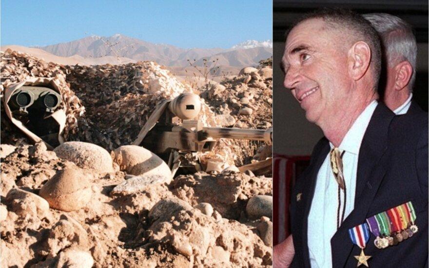 Koliažas: Snaiperis ir porininkas Afganistane / Carlosas Normanas Hathcockas II