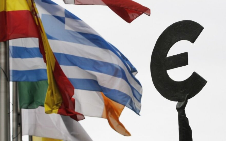 Siūlymas: euro zonai sukurti atskirą parlamentą