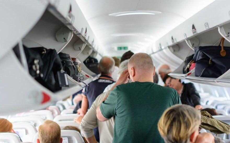 Kaip pigių skrydžių bendrovės gauna pelną parduodamos nebrangius bilietus