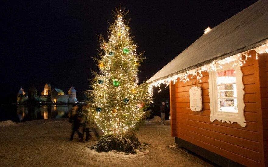 Išskirtinė kelionė traukiniu į Kalėdų senelių rezidenciją Trakuose