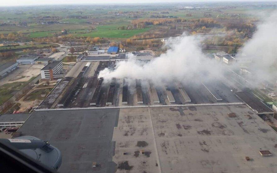 Alytaus košmaras: gaisro metu po miestą vaikščiojo vaikai, meras pratrūko feisbuke
