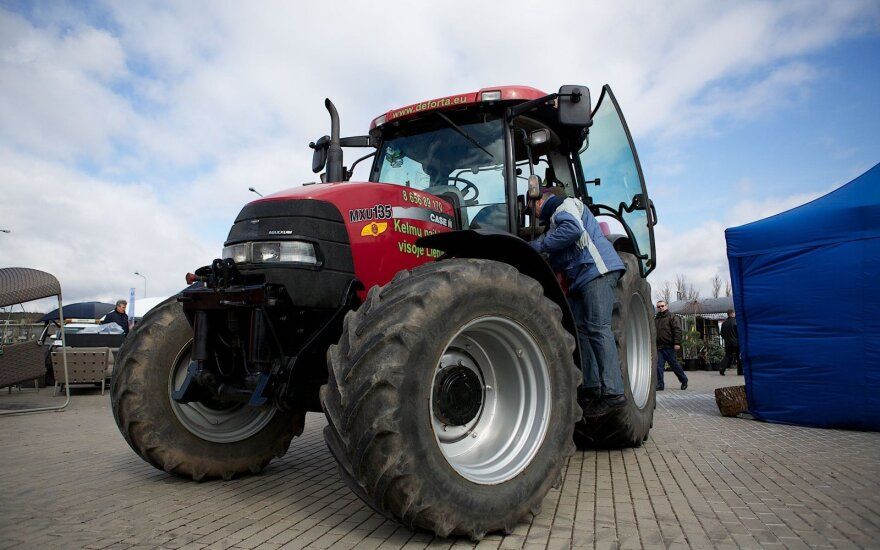 Baltarusijai aktuali prekyba traktoriais