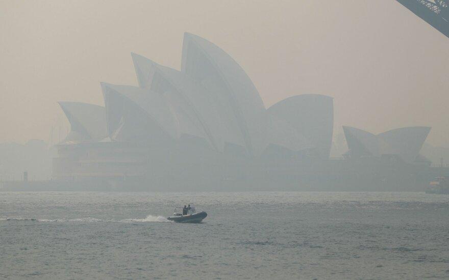 Gaisrų dūmams dusinant Sidnėjų Australijos premjeras neigia sąsajas su klimato kaita
