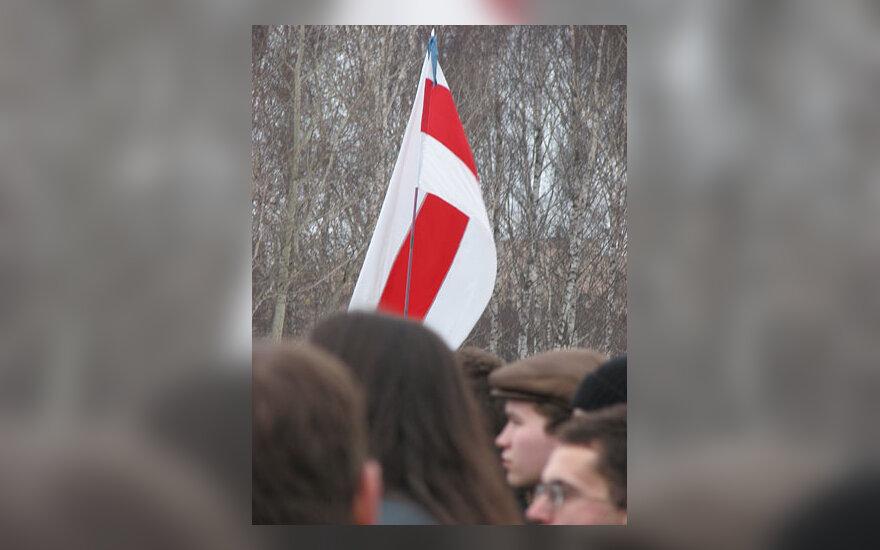 Opozicijos naudojama Baltarusijos vėliava