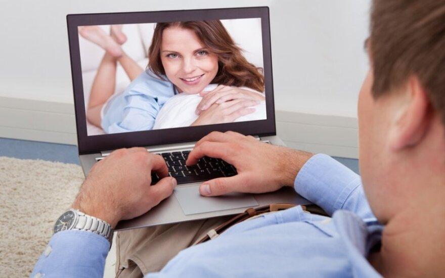 Internetinės pažintys: tai, ką privalote žinoti