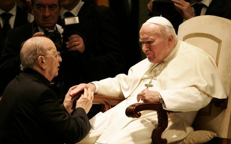 Marcialas Macielas ir popiežius Jonas Paulius II