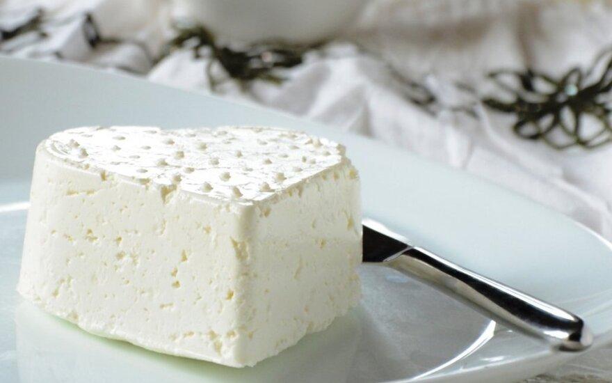 Gardus naminis sūris su priedais