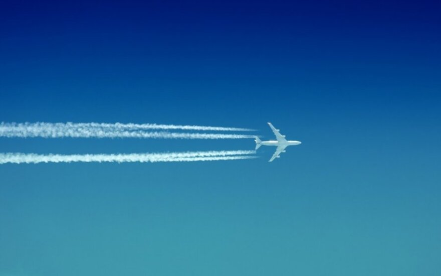 Skrendantis lėktuvas