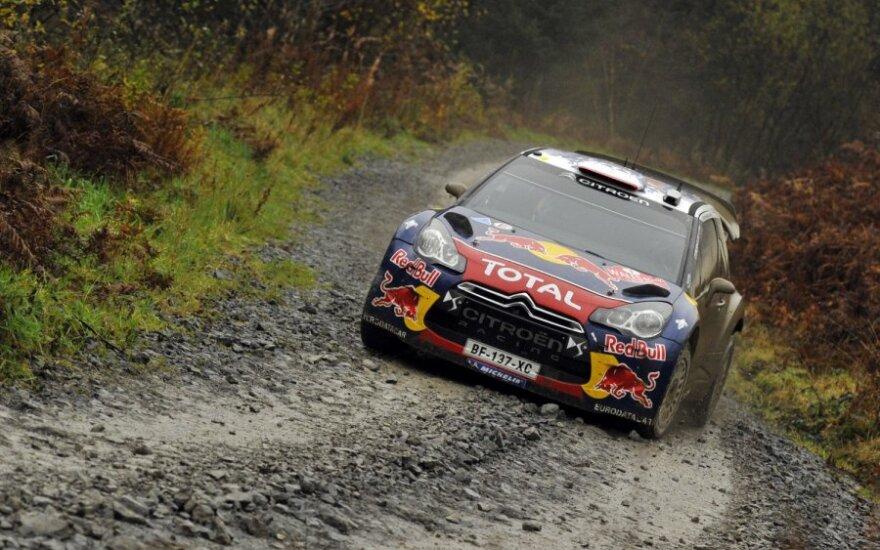 """Sebastienas Loebas su """"Citroen"""" automobiliu"""