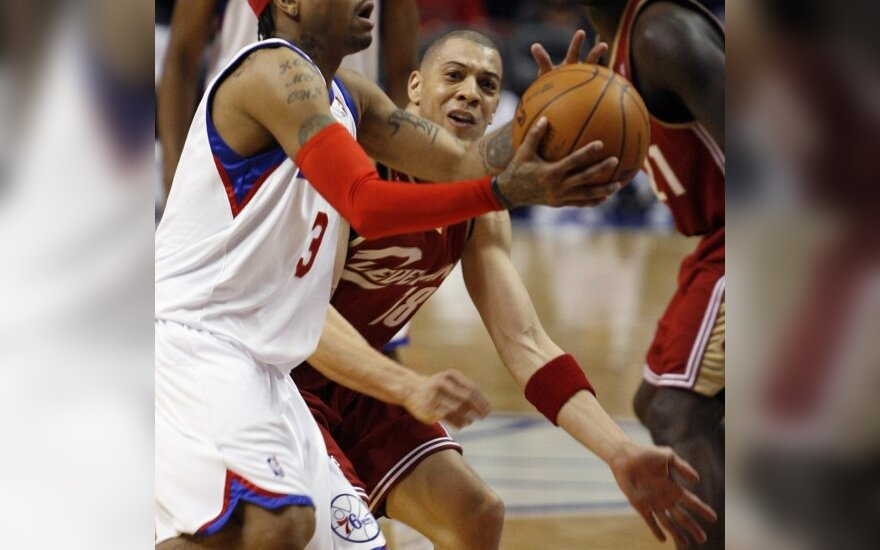 "Allenas Iversonas (""76ers"") ir Anthony Parkeris (""Cavaliers"" )"