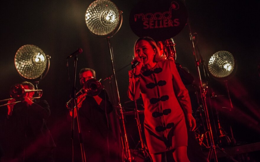 """Grupės """"Mood Sellers"""" koncertas su Džordana Butkute/ Foto: Dainius Putinas"""