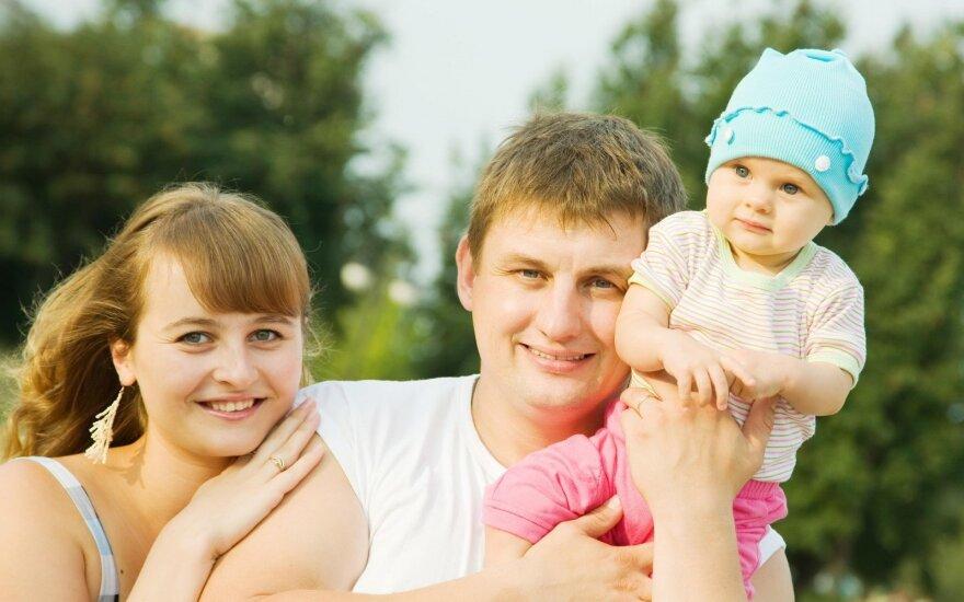 Šiuolaikinė lietuviška šeima: per silpna pati tinkamai auginti vaikus?