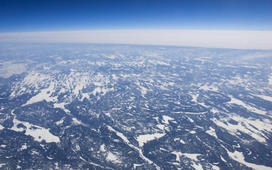 Po amžinuoju Sibiro įšalu tūno milžiniški metano dujų kiekiai