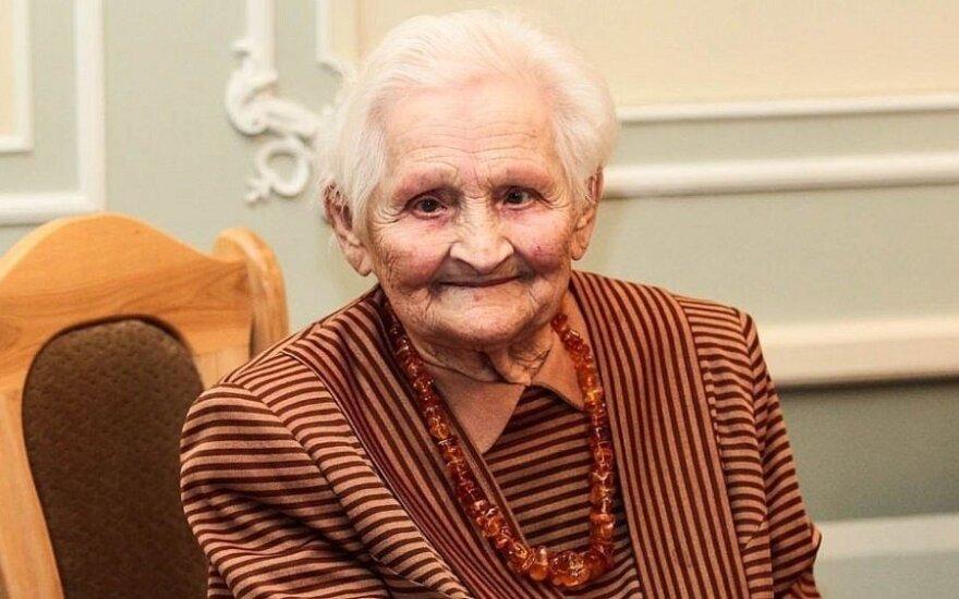 Eidama 103-uosius, mirė visuomenės veikėja, lietuvybės puoselėtoja Birutė Verkelytė-Fedaravičienė