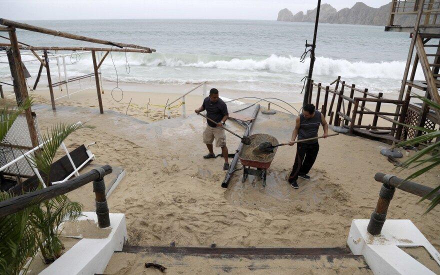 """Audra """"Newton"""" Meksikoje pareikalavo jau penkių žmonių gyvybių"""