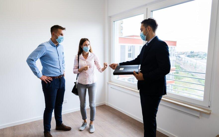 Sunkiai randamas būstas ir staigiai kylanti kaina – pirkėjai įsukami į aukcionus: ką būtina žinoti