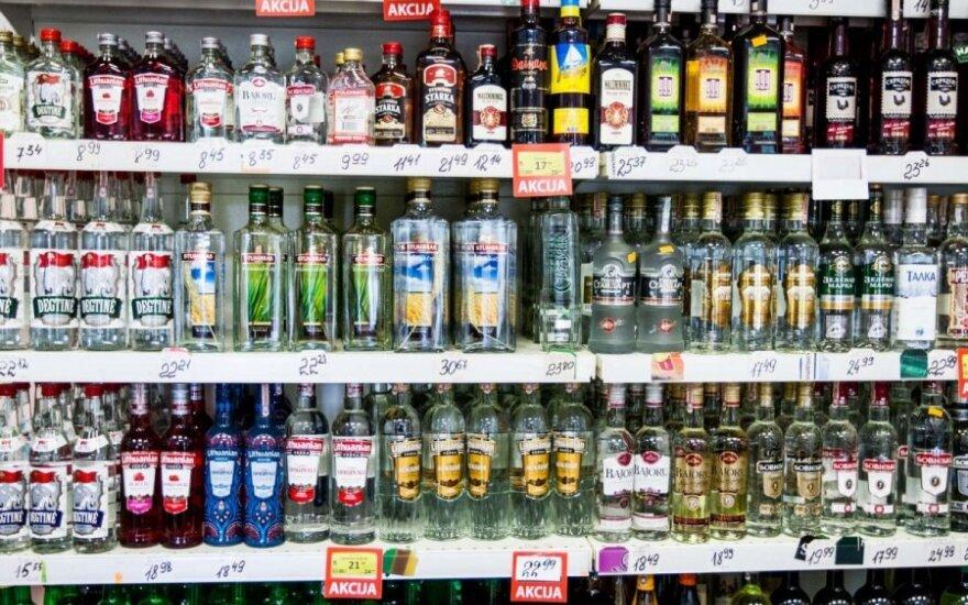 Pigaus alkoholio ieškantys turistai šiurpina Europą