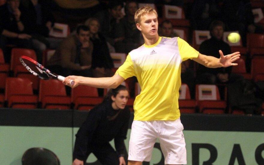L. Mugevičius poroje su turku sėkmingai pradėjo teniso turnyro Turkijoje dvejetų varžybas