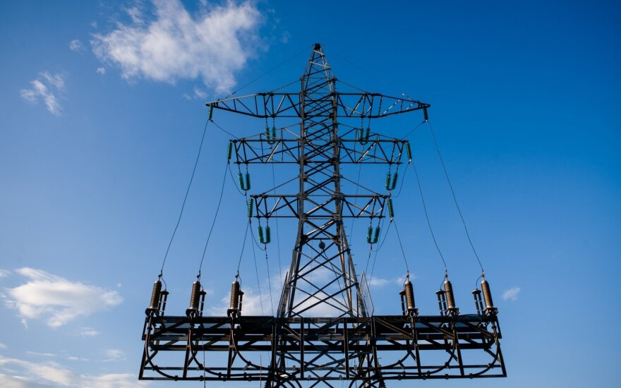 Spręs dėl kompensacijų už žemės sklypuose įrengtus elektros stulpus