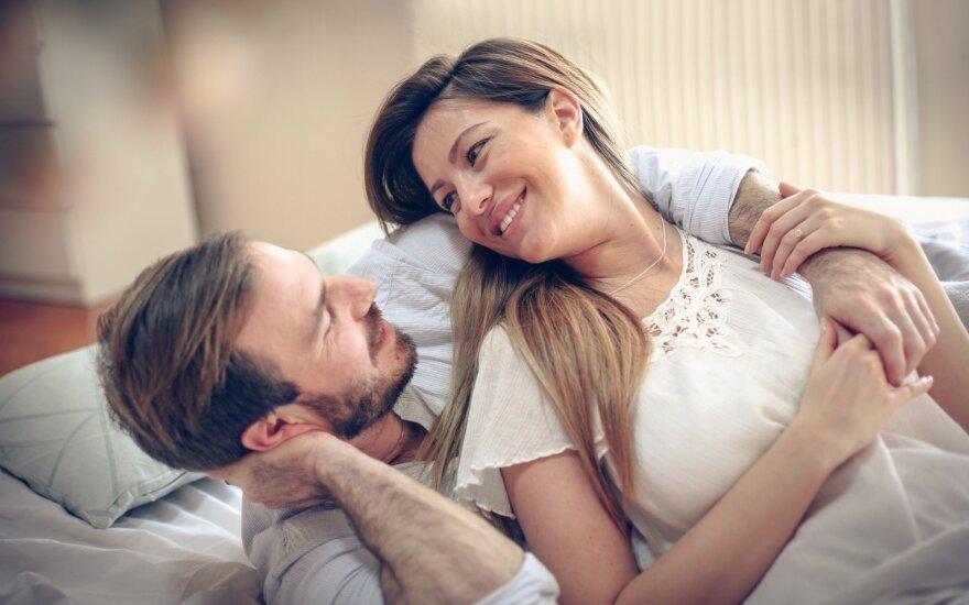 Apie ką vyrai meluoja moterims?