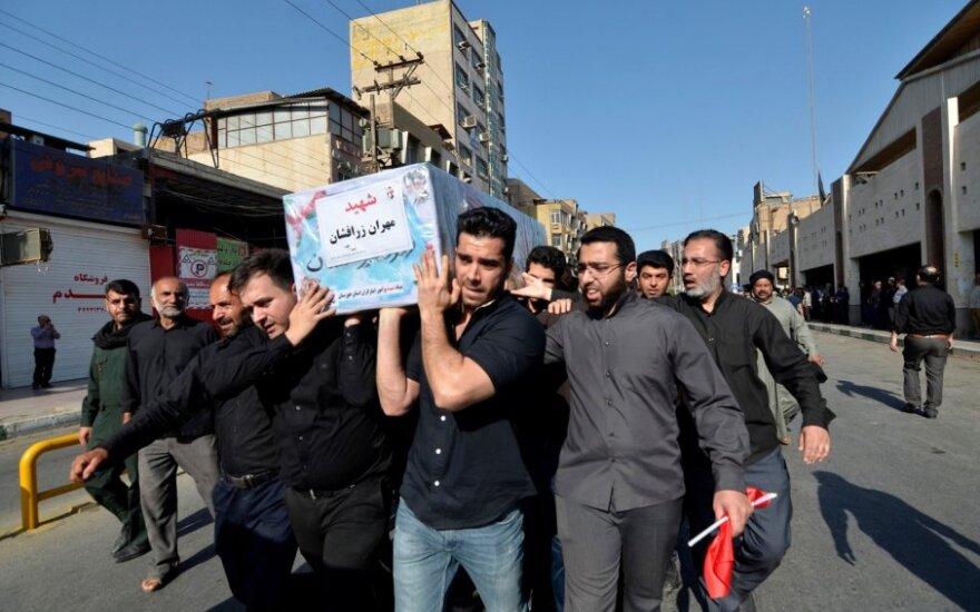 Irane laidojamos teroro atakos Ahvaze aukos