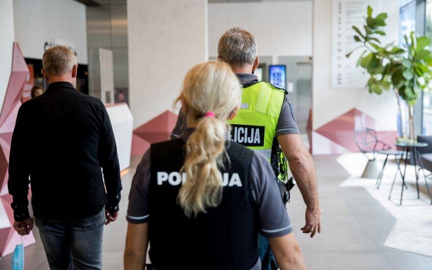 """Policija pradėjo tyrimą dėl grasinimo įvykdyti teroristinį nusikaltimą: tarp galimų taikinių – """"Akropolis"""", """"Ozas"""", """"Delfi"""""""