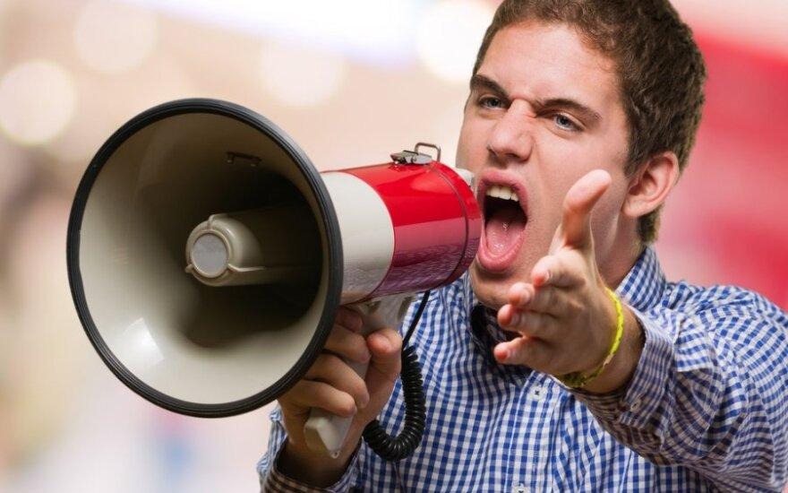 Kaip nugalėti scenos baimę ir išmokti viešai kalbėti