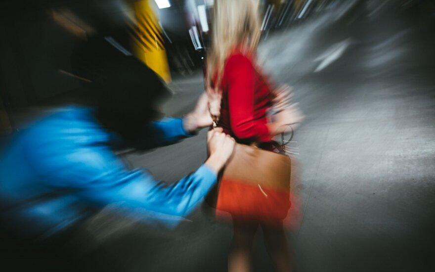 Klaipėdoje moteris pranešė apie plėšimą, nusikaltimą galimai padarė dvylikametis