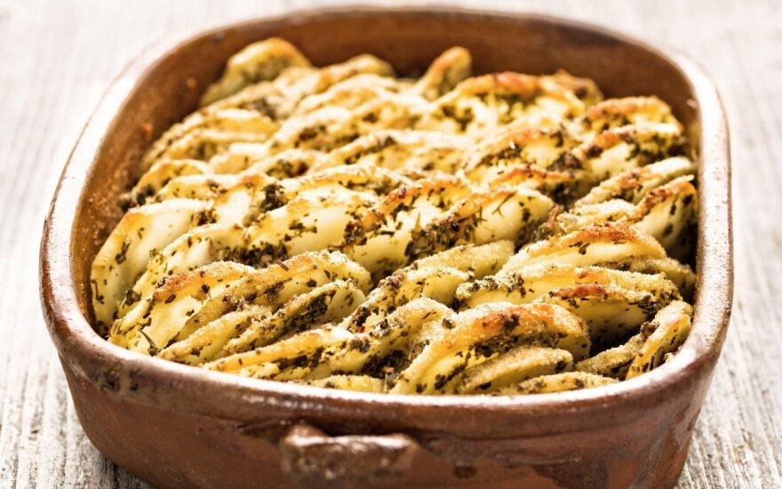 Traškus, česnakinis bulvių troškinys