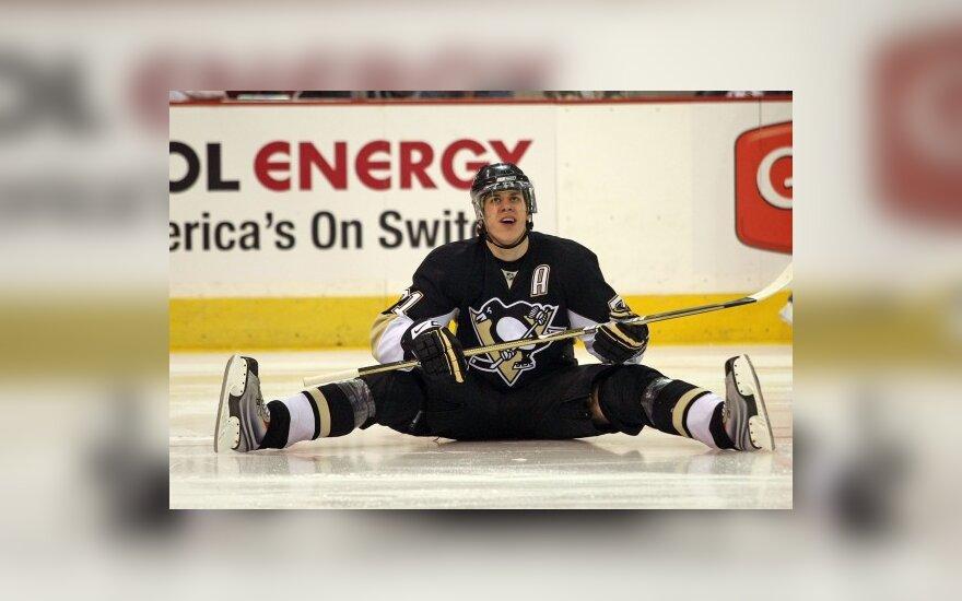 """""""Penguins"""" NHL Rytų konferencijos finalą pradėjo pergale"""