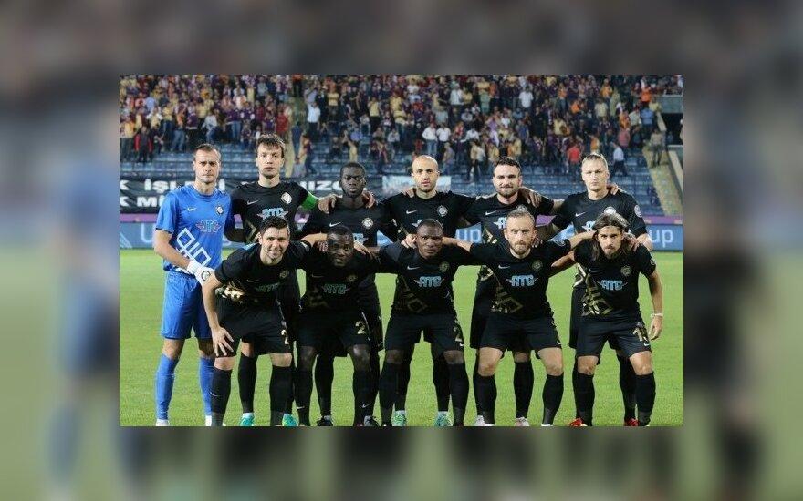 Žydrūnas Karčemarskas (kairėje) su komandos draugais (osmanlispor.org nuotr.)