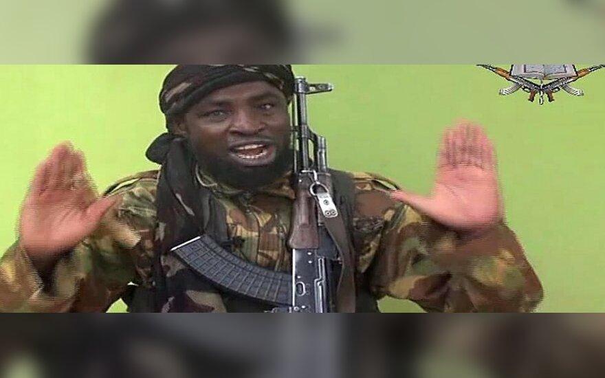 """Naujame """"Boko Haram"""" įraše esą rodomos pagrobtos nigeriečių moksleivės"""