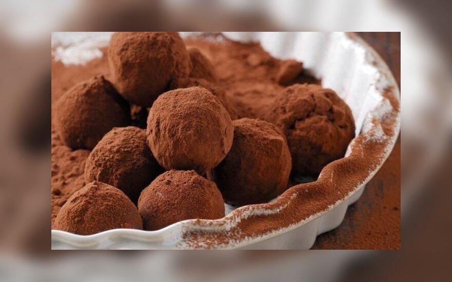 Burnoje tirpstantys šokoladiniai triufeliai