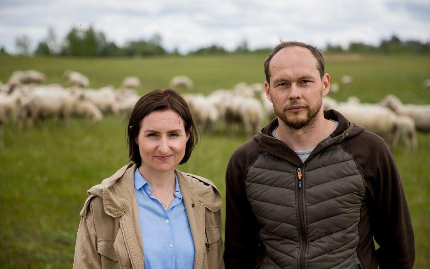 Gyvenimą sostinėje iškeitė į nuosavą ūkį kaime: augina 300 avių ir dėl tokios avantiūros sako nesigailintys