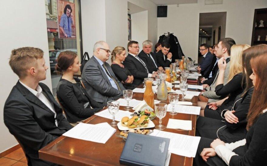 Studentų susitikimas su valdžia. B. Zamblauskaitės nuotr.