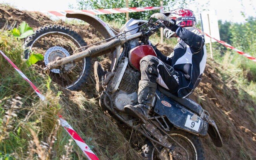 Enduro motociklininkas: ruošdami trasą joje gyvenome savaitę