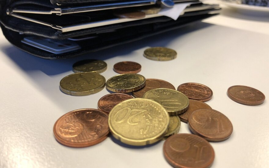 Valandinis atlyginimas Lietuvoje: kiek už jį galima nusipirkti