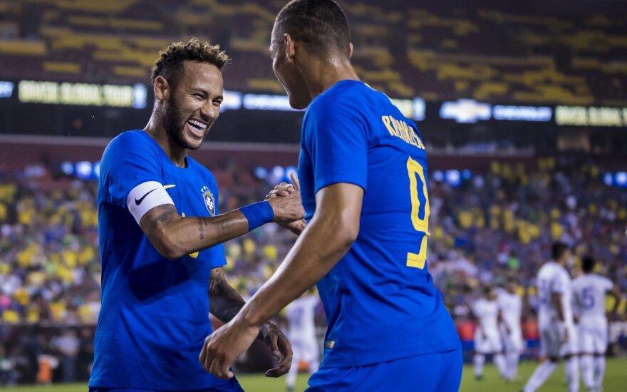 Neymaras prisidėjo net prie keturių Brazilijos įvarčių, Anglija įveikė Šveicariją