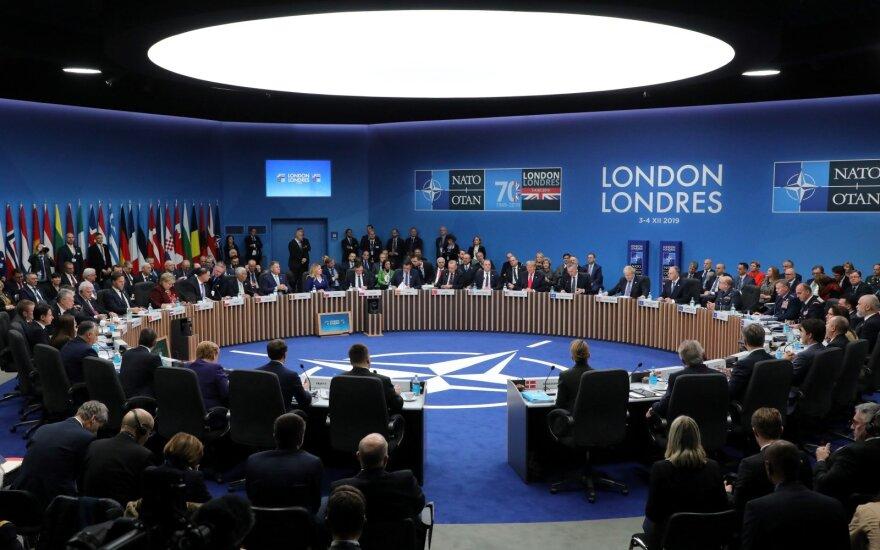 Pasitikėjimas NATO Lietuvoje augo, Vokietijoje, Prancūzijoje – smuko